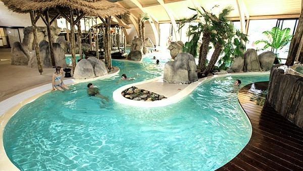 La Rive's beautiful indoor swimming pool