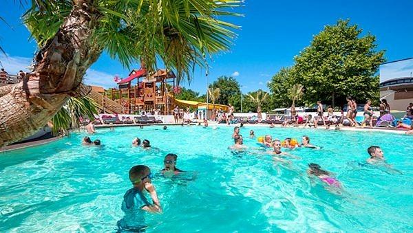 La Rive's refreshing swimming pool