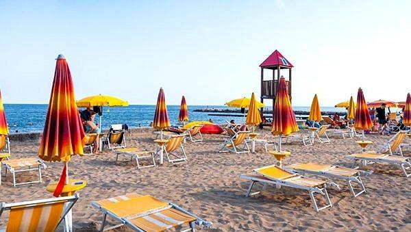 Pra Della Torri's incredible beach front!