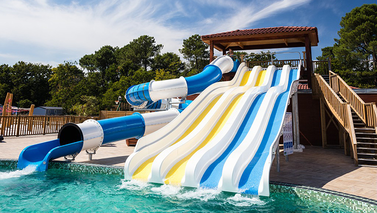 al fresco parks with waterslides